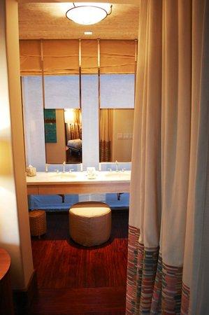 Mukul Beach Golf & Spa:                   Bathroom