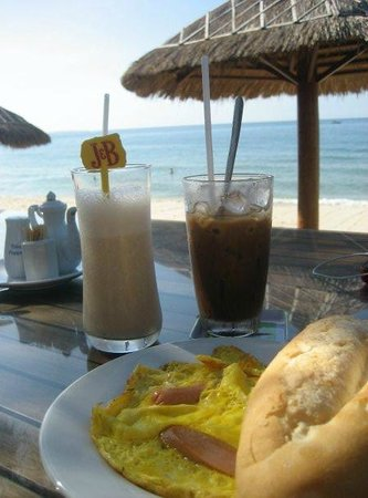 Sunrise Resort:                   Breakfast overlooking the beach