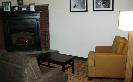 Sleep Inn & Suites of Lake George: Lobby Seating Area
