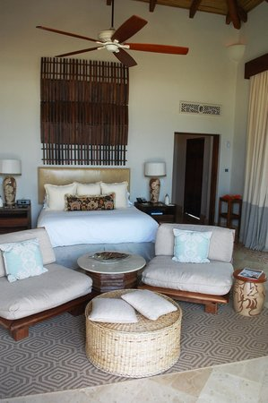 Mukul Beach Golf & Spa :                   Bedroom of 1 Bedroom Suite