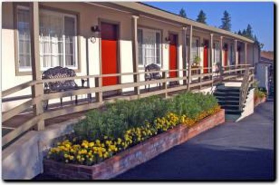 Colfax Motor Lodge Photo