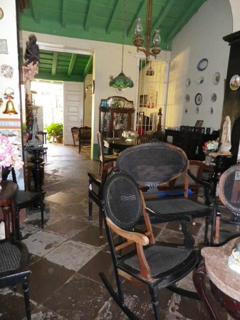 Hostal El Tayaba:                                     The front room