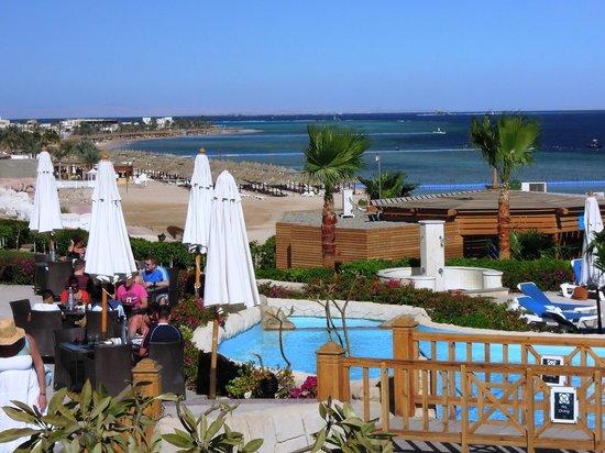 Cyrene Grand Hotel:                   vista dalle piscine