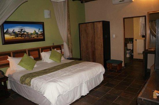Umlilo Lodge B&B:                   chambre