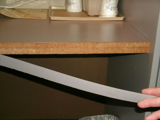 Microtel Inn & Suites By Wyndham Lexington:                   desk falling apart