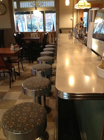 Tomato Pie Cafe: Original Soda Fountain Bar