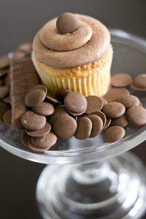 The Cupcakery: Gold Rush Cupcake: Golden Yellow with Chocolate Buttercream