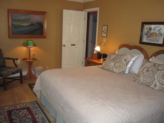 Barsen House Inn: Sunrise Room