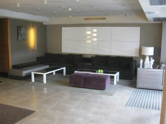 NH Poznan:                   lobby