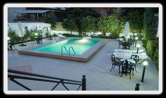Hotel Bakos Photo