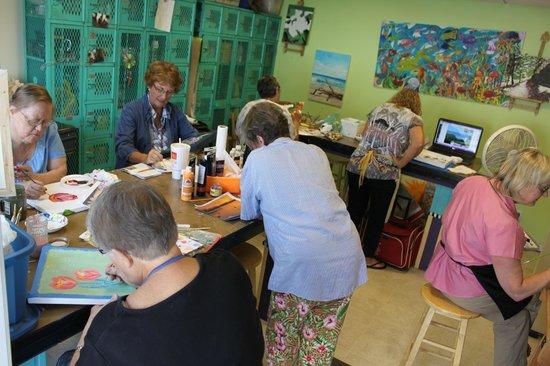 Creative Fish Art Gallery & ArtZie Workshop: Oil Painting Classes