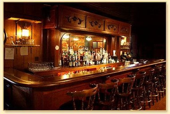 Elaine's Bed & Breakfast Inn: Bar