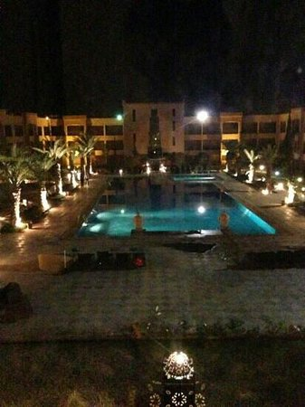 Zalagh Kasbah Hotel and Spa:                   The outdoor pool at night