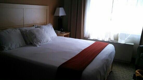 Holiday Inn Express North Conway:                   giant comfy bed