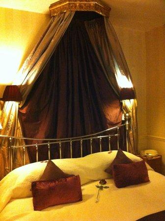 Apsley House Hotel:                   Copenhagen Room
