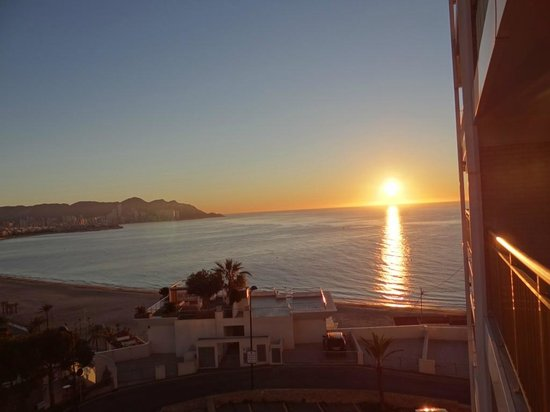 Servigroup Torre Dorada :                   vista del amanecer desde el Hotel