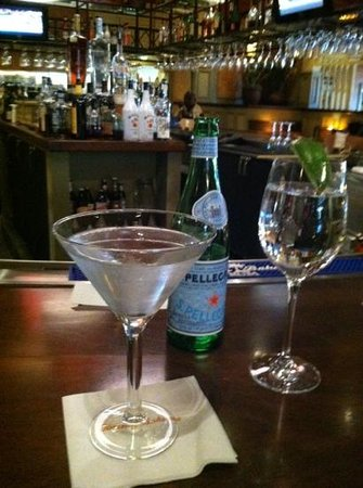 Tommy Bahama's Restaurant & Bar:                   Martini heaven!