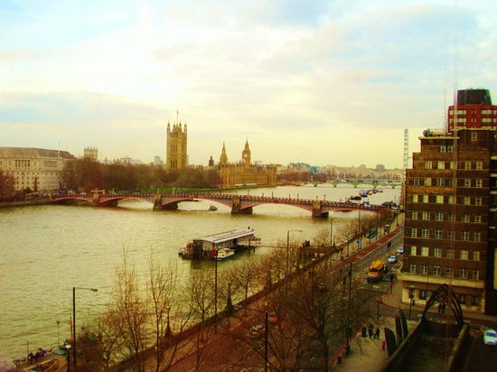 Park Plaza Riverbank London:                                     The view from our room (745)