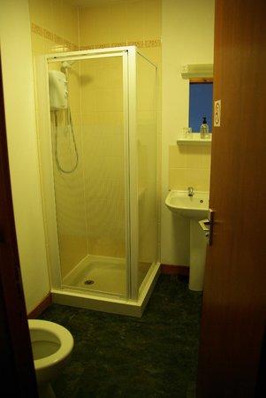 Smithton Hotel:                   baño
