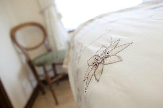 Little Grey Cottage Bed & Breakfast: Room 1