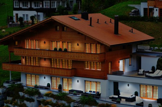 Romantik Hotel Schweizerhof: South facing with magnificent views of the Eiger North Face