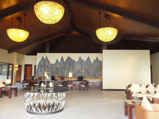 Two Seasons Coron Island Resort & Spa:                   Lobby and Reception