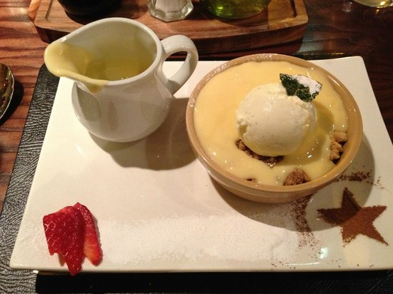 Kimberley Hotel:                   Sweet, apple and raisin crumble