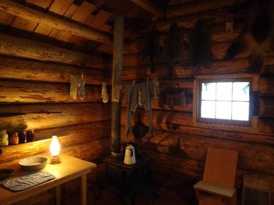 The Museum at Campbell River :                   Pioneer cabin display