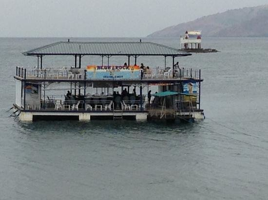 Blue Rock Beach Resort :                   Blue Rocks floating bar