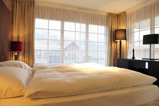 Romantik Hotel Schweizerhof Grindelwald : Ground floor bedroom 1