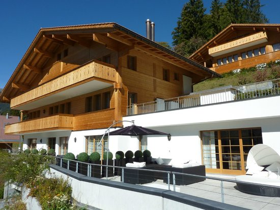 Romantik Hotel Schweizerhof Grindelwald : South facing terraces and balconies