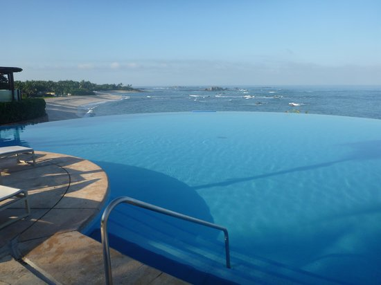 Four Seasons Resort Punta Mita:                   view from the infinity pool