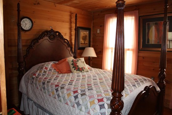 The Lake House: Large beds help make the guests more comfortable.