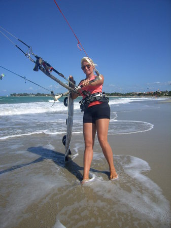 Kiters Of The Caribbean : We offer Kitesurfing trips & Downwinders