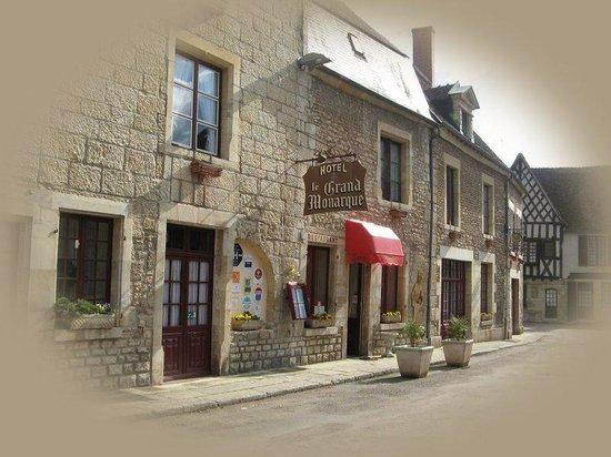 Hôtel-Restaurant Le Grand Monarque