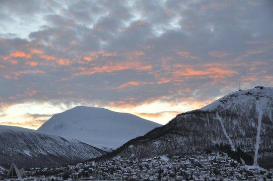Skansen Hotell :                                     Winter morning sky from room 308
