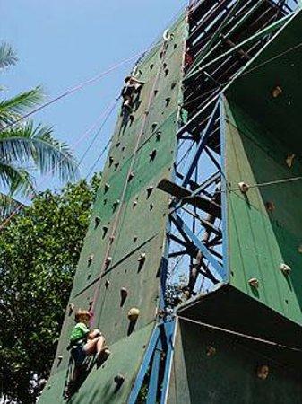 Loola Adventure Resort : Rock climbing