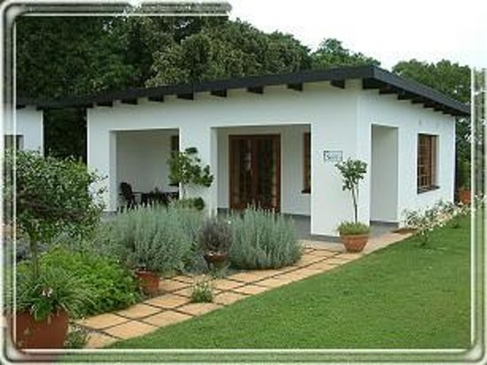 Plumbago Guest House: Outside