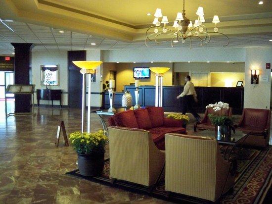 Hartford Marriott Farmington:                                     Lobby