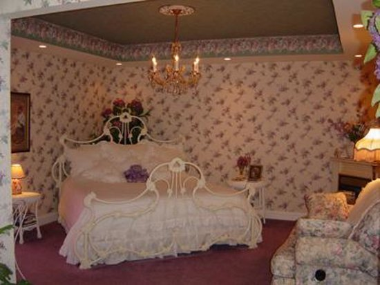 Painted Lady Bed and Breakfast Picture