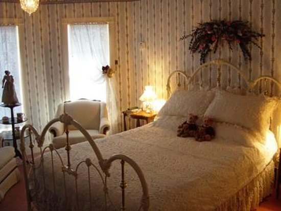 Painted Lady Bed and Breakfast Photo