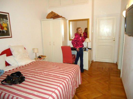 Hotel Italia:                   Bedroom