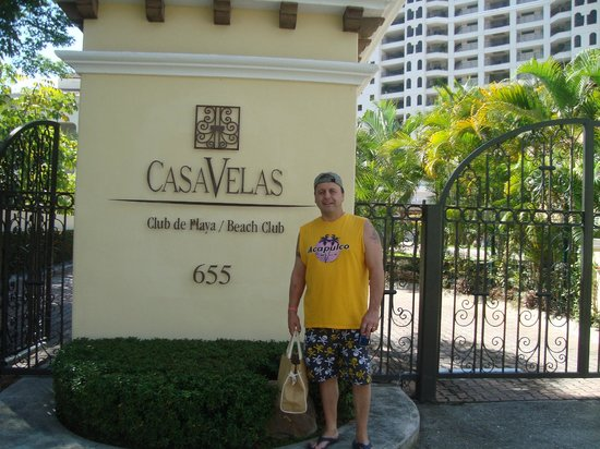 Mike at entrance to Casa velas Beach/Ocean Club