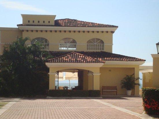 Casa Velas:                   Ocean/Beach club lookign right thru