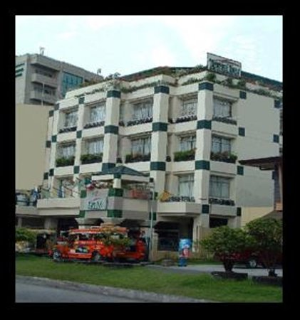 Hotels Near Makati Avenue