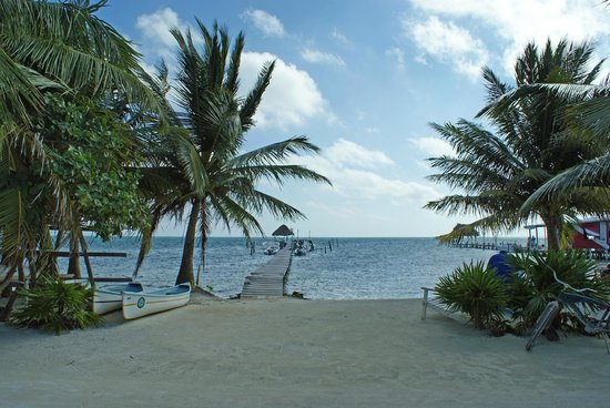 Costa Maya Beach Cabanas:                   view from front office