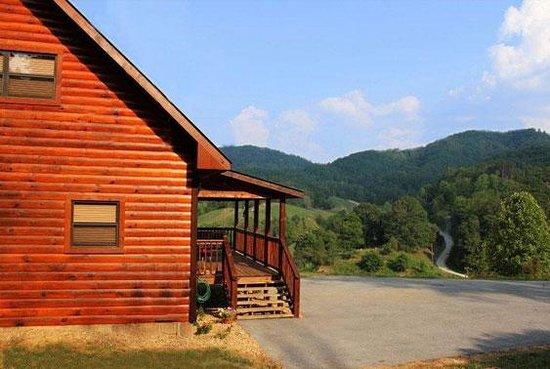 Mountain Falls Cabins Photo