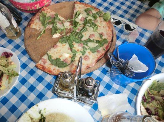 Chstr:                   Giuseppi Pizza with argula, bacon & cream cheese