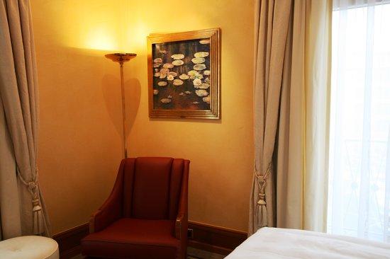 Savoy Baur En Ville:                                     Monet in the bedroom