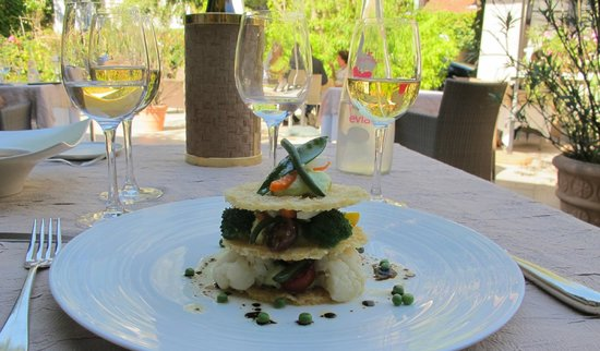 Auberge du Bon Laboureur :                   Beautifully presented -- and tasty -- Vegetable Tower